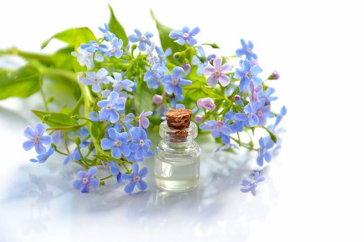 Massage : pourquoi choisir les huiles essentielles ?