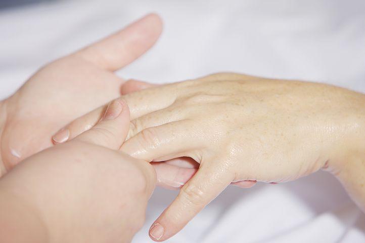 Prenez le temps de vous faire masser les mains